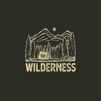 Handgetekende wildernisbadge met berglandschap