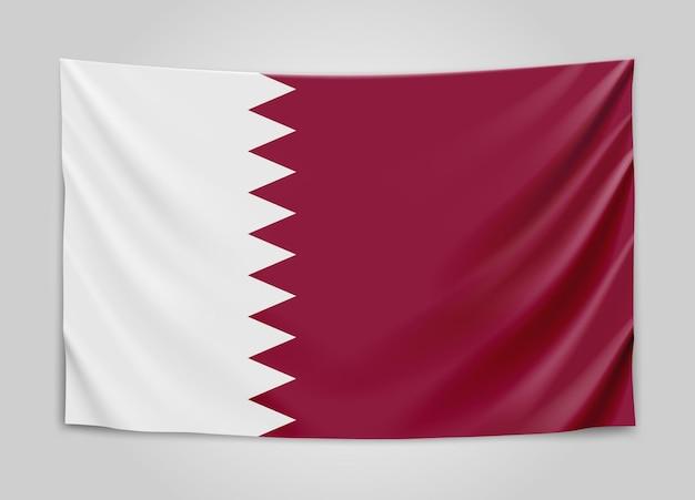 Hangende vlag van qatar. staat qatar. nationale vlag.