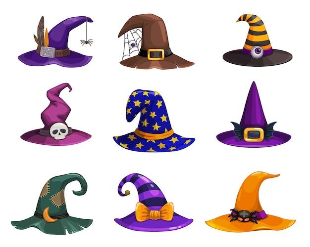 Heksenhoeden, hoofddeksels van tekenfilms, traditionele tovenaarspetten versierd met spinnenweb, bontjes, strepen of sterren voor tovenares of astroloog. halloween-feestkostuum hoeden geïsoleerde set
