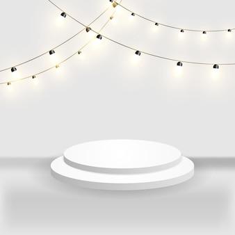 Helder podium voor prijsuitreiking. vectorillustratie. een podium in het licht van sterren en heldere guirlande.
