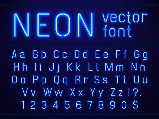 Heldere gloeiende blauwe neonalfabet letters en getallen doopvont.