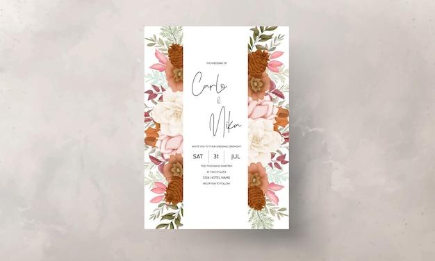 Herfst bloemen bruiloft uitnodigingskaart met roos en dennen bloem