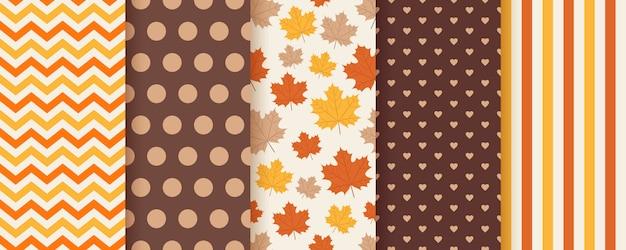 Herfst naadloze patroon. . achtergrond met herfstbladeren.