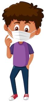 Het droevige kijken jongen die masker op wit draagt