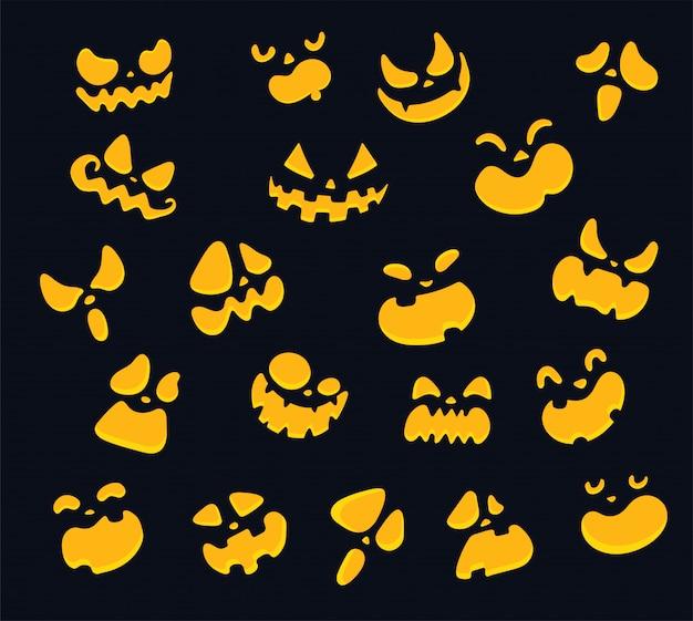 Het gezicht van een gele glanzende geest in de duisternis van halloween nacht.
