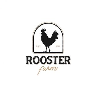 Het logo van een haan met een klassiek model voor productetiketten, kippenvleesverkoper