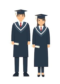 Het mannelijke en vrouwelijke student stellen na graduatieceremonie