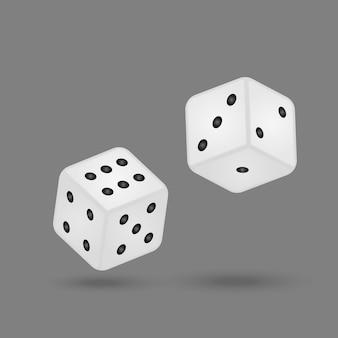 Het rrealistische spel dobbelt geïsoleerd op witte achtergrond