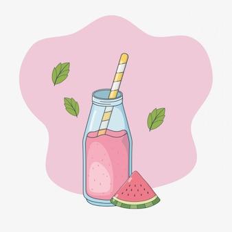 Het sapfruit van de watermeloen in fles met stro