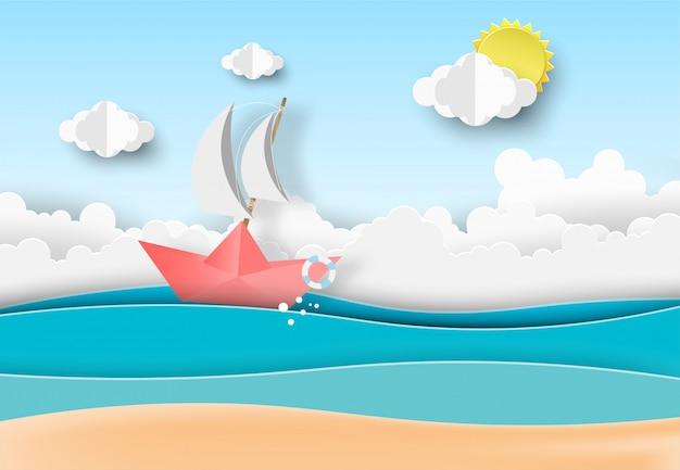 Het strand blauwe hemel van de zomer met boot die in het overzees vaart.