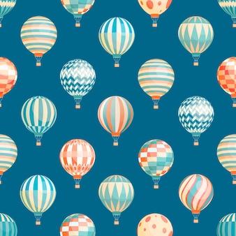 Hete lucht ballonnen naadloze patroon op blauw