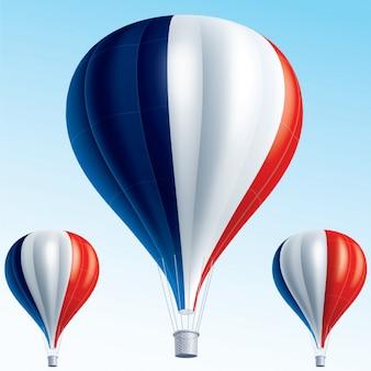 Heteluchtballonnen geschilderd als vlag van frankrijk