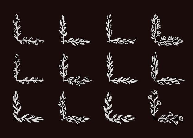 Hoek bloeit grens ingesteld op zwart schoolbord. hand getrokken doodle stijl hoek met rustieke bloemen element. vector illustratie grens.