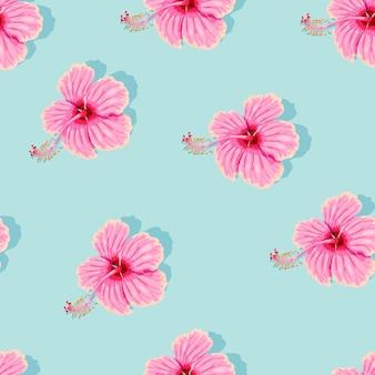 Hoge detail roze hibiscus naadloze vector patroon op blauwe achtergrond