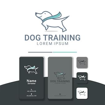 Hond rennen logo ontwerp gelukkig training rennen springen