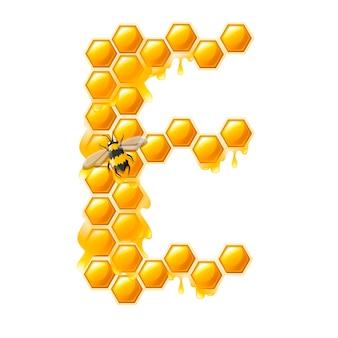 Honingraat letter e met honing druppels en bijen platte vectorillustratie geïsoleerd op een witte achtergrond.