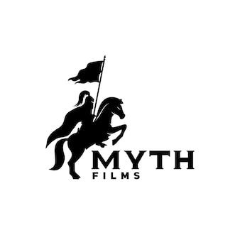 Horseback knight silhouette horse warrior paladin middeleeuws logo-ontwerp met filmfilm cinema reel