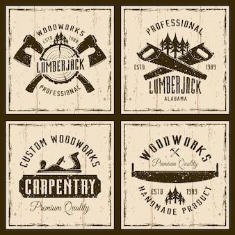 Houtbewerking en timmerwerk vier vintage emblemen of prints op grunge achtergrond