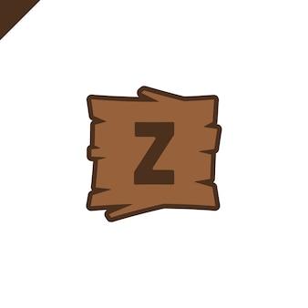 Houten alfabetblokken met brief z in houten textuur