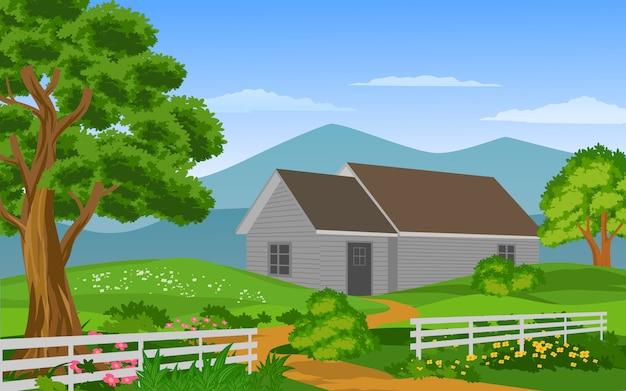 Houten huis met groene tuin en hek