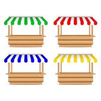 Houten marktkraam met verschillende parasol.