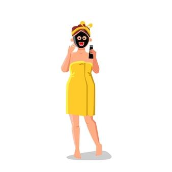 Houtskool cosmetische behandeling meisje na bad vector. houtskool gezichtsmasker therapie jonge vrouw, gezicht huid reiniging en verzorging. karakter schoonheid of spa salon behandelen platte cartoon afbeelding