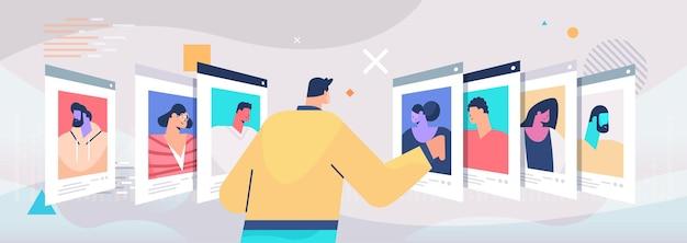 Hr manager kiezen cv curriculum vitae met foto en persoonlijke info van nieuwe werknemers sollicitanten werving inhuren concept horizontale vectorillustratie