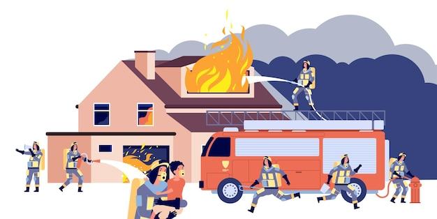 Huis in brand. groepsbrandweerlieden blussen brandend huis.