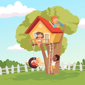 Huis op boom. leuke kinderen die in tuinaard spelen die jonge geitjes beklimmen