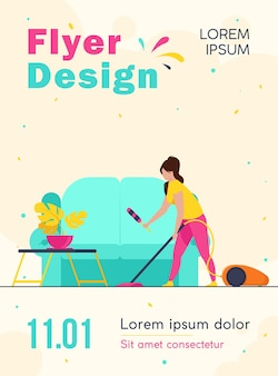 Huisvrouw huis schoonmaken met de sjabloon van de folder van de stofzuiger