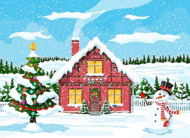 Huizen in de voorsteden bedekt sneeuw met boom en bos