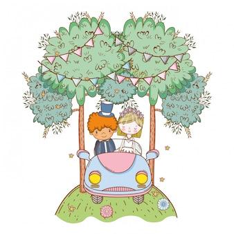 Huwelijkspaar op auto leuke cartoon