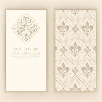 Huwelijksuitnodiging met elegante damastdecoratie