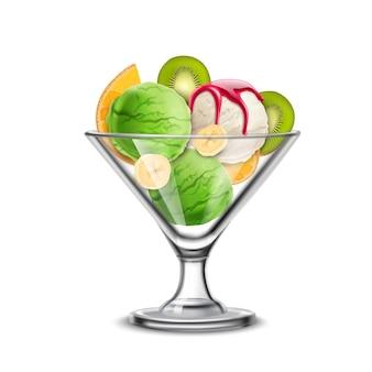 Ijs in realistische samenstelling met glazen kom met heerlijke pistache-ijslepels gemengd met kiwi en banaan