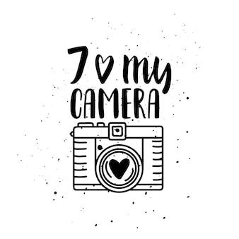 Illustratie met fotocamera. belettering. ik hou van mijn camera