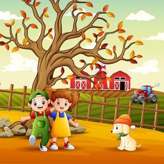 Illustratie van kinderen die op de boerderij spelen