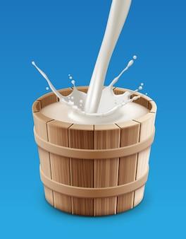 Illustratie van melk gieten met splash in houten emmer op blauwe achtergrond