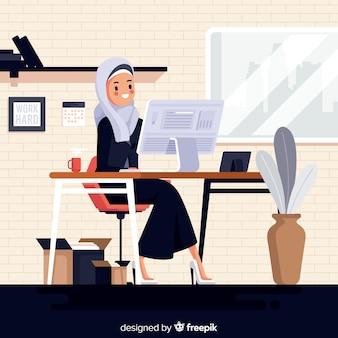 Illustratie van moslimvrouw die op het kantoor werken
