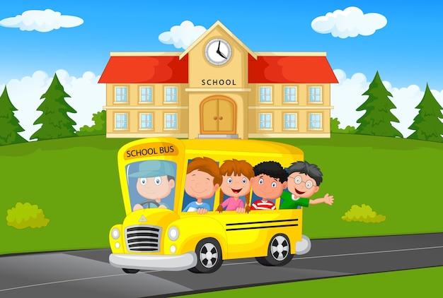 Illustratie van schoolkinderen die een bus van de school berijden