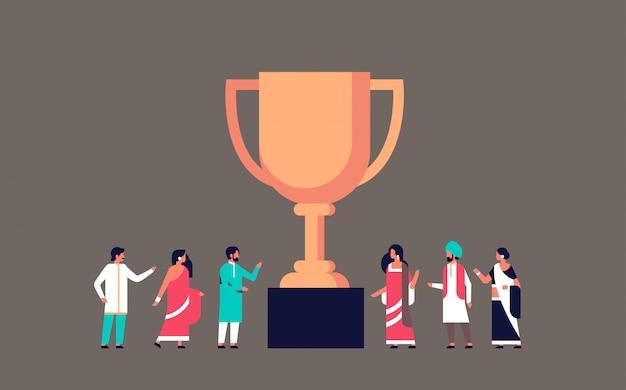 Indische mensen winnaar beker gouden trofee eerste plaats banner