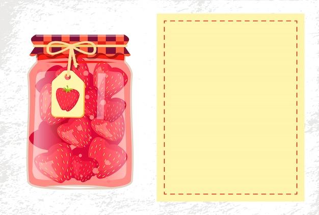 Ingeblikte aardbeienjam of zoete compote-glaskruik