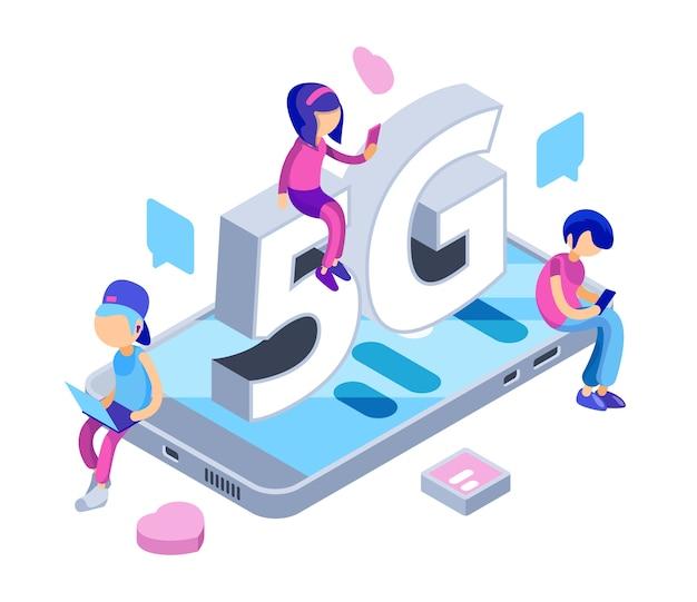 Internet 5g-concept. gratis wifi-netwerk. isometrische tieners met gadgets, smartphones, laptop. illustratie internet, verbinding gratis draadloos