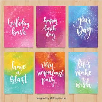 Inzameling van de kleurrijke kaarten van de waterverfverjaardag