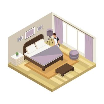 Isometrisch hotelserviceconcept met meid die uniforme geïsoleerde schoonmaakruimte draagt