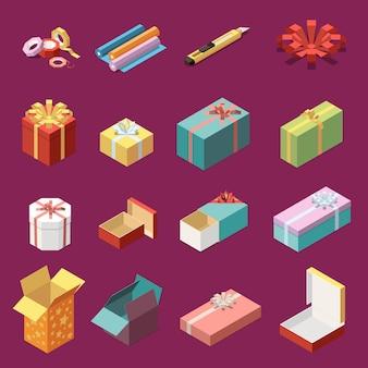 Isometrische set van lege en verpakte kartonnen geschenkdozen en kantoorbehoeftenpictogrammen 3d geïsoleerde vectorillustratie