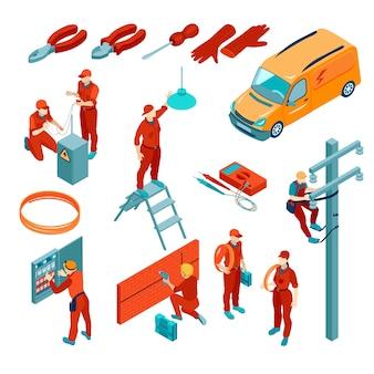 Isometrische set van pictogrammen met elektrische gereedschappen en elektriciens op het werk geïsoleerd