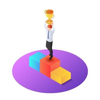 Isometrische zakenman verhogen winnaar trofee op voetstuk
