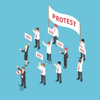 Isometrische zakenmensen demonstratie of protest met megafoon en plakkaat