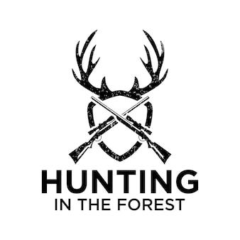 Jagen in het bos met geweer