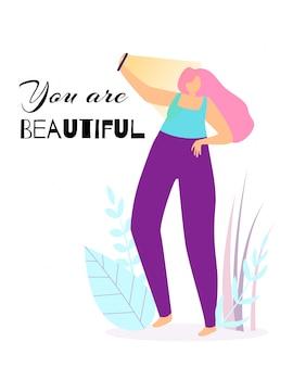 Jij bent mooi. de jonge gelukkige vrouw maakt selfie